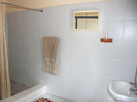 External private bathroom for room 3. External private bathroom for room 3.